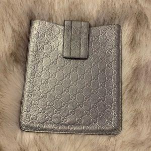❗️❕Authentic Gucci Guccissima Silver iPad case